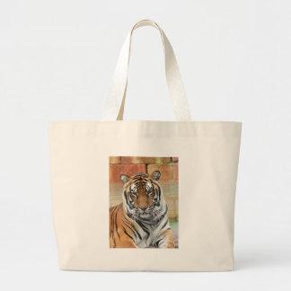 Bolso De Tela Gigante Alquileres Tigres en la reflexión