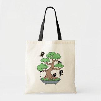 Bolso De Tela Ninjas minúsculo en árbol de los bonsais