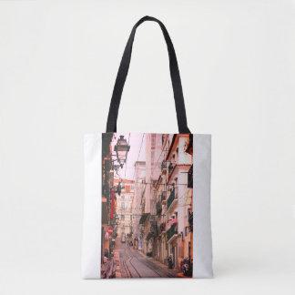 Bolso De Tela Opinión casual de la calle en Lisboa