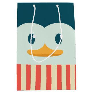 Bolso medio del regalo del pingüino del día de bolsa de regalo mediana