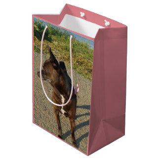 Bolso rosado del regalo del perro de la chihuahua bolsa de regalo mediana