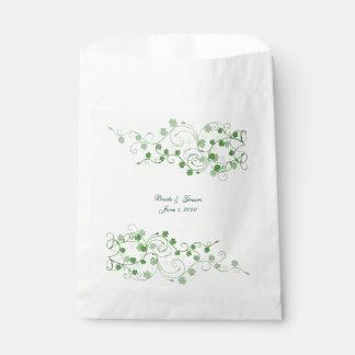 Bolsos irlandeses del favor del boda del trébol bolsa de papel