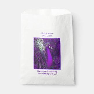 Bolsos púrpuras brillantes del favor del boda del bolsa de papel