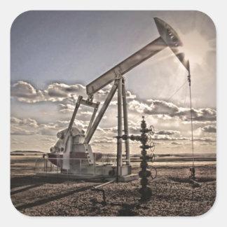 Bomba del pozo de petróleo pegatina cuadrada