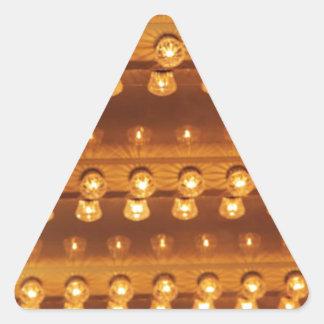 Bombillas en el techo (fondo) pegatina triangular