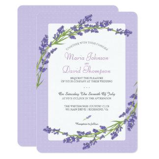 Bonito en la invitación que se casa de la púrpura