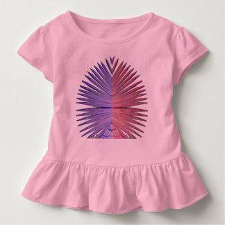 Bonito y sostenido en rosa camiseta de bebé