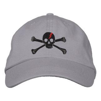 Bordado rojo del cráneo de la bandera pirata del gorra de beisbol