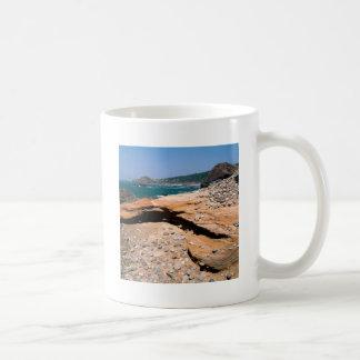 Borde del camino de la nutria de la erosión de la  tazas de café