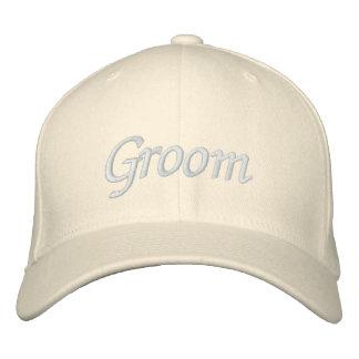 Borde el casquillo del gorra el | del novio de los