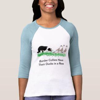 Border collie que reúne el camisetas (luz)