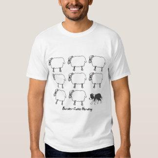 Border collie que reúne la camiseta de las señoras