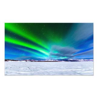 Borealis de la aurora sobre el lago congelado Labe Fotografías