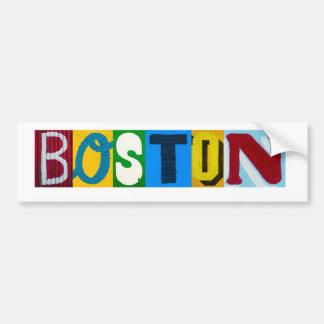 Boston pone letras a la pegatina para el