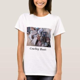 Botas de vaquero de la camiseta de las mujeres