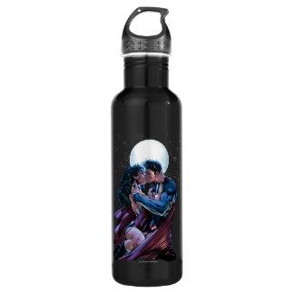Botella De Agua Beso de la Mujer Maravilla y del superhombre de la