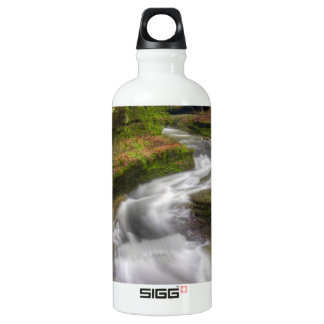 Botella De Agua Cascada