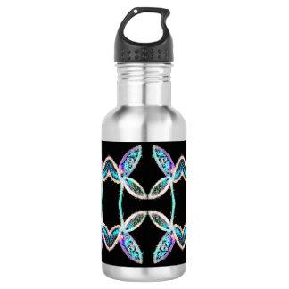Botella de agua coloreada de las hojas