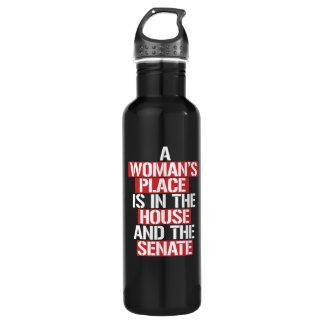 Botella De Agua El lugar de una mujer está en la casa y el senado