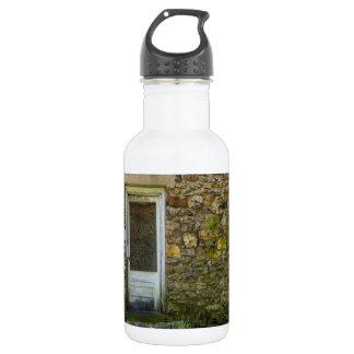 Botella De Agua Esta pared vieja de la roca