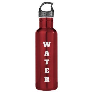 Botella de agua etiquetada