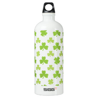 Botella De Agua Ilustracion de la hoja del trébol