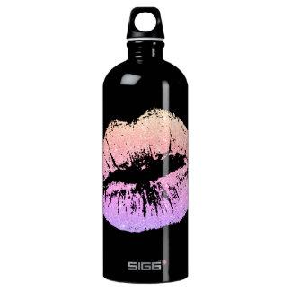 Botella de agua negra de los falsos labios de neón