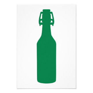 Botella de cerveza verde comunicado personal