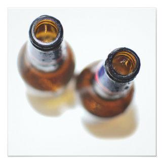 Botellas de cerveza invitación 13,3 cm x 13,3cm