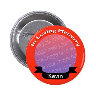 Botón conmemorativo rojo brillante de la foto con