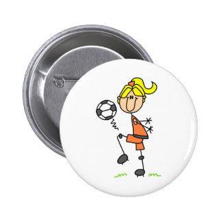 Botón del balón de fútbol del chica que hace juego pin