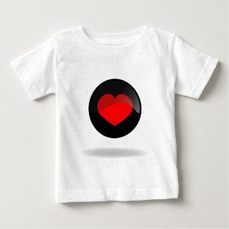 Botón del corazón camiseta de bebé