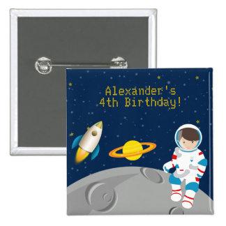 Botón del cumpleaños del astronauta del espacio