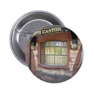 Botón del ~ de la ventana de la estación de tren pins