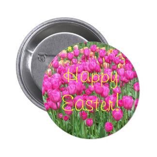 Botón rosado de Pascua de la foto de los tulipanes