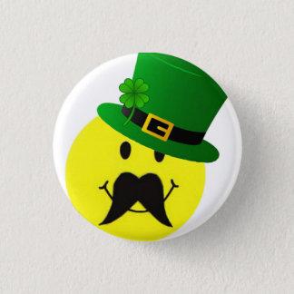 Botón sonriente del bigote del Leprechaun