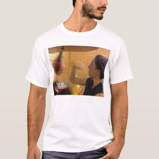 Boxeo de la mujer camiseta