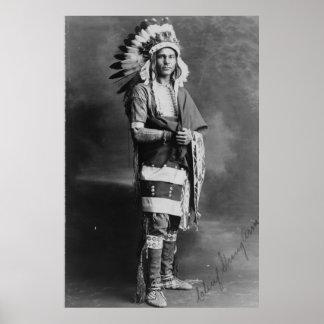 Brazo fuerte del jefe indio del nativo americano c posters