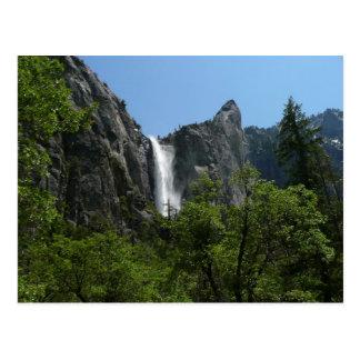 Bridalveil baja en el parque nacional de Yosemite Postal