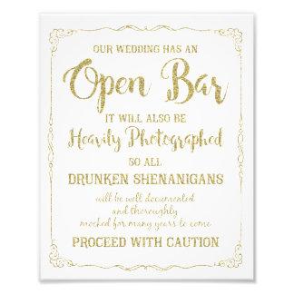 Brillo abierto del oro de la muestra del boda de foto