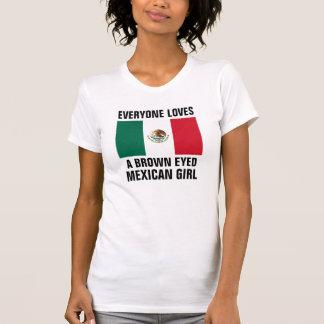 Brown observó al chica mexician camisetas