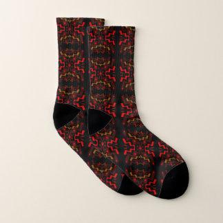 Brown y calcetines abstractos étnicos rojos del