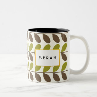 Brown y taza personalizada frondosa del verde