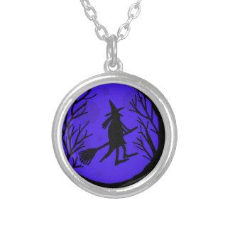 Bruja de Halloween - azul Colgante Redondo