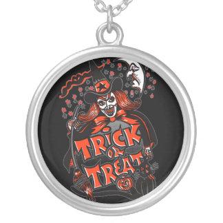 Bruja Halloween (vintage) del truco o de la Colgante Redondo