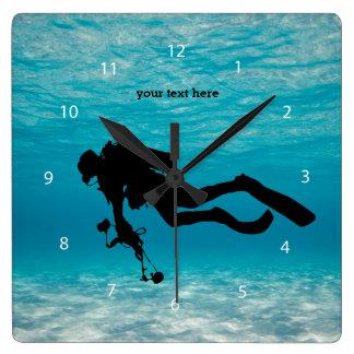 Buceo con escafandra reloj cuadrado