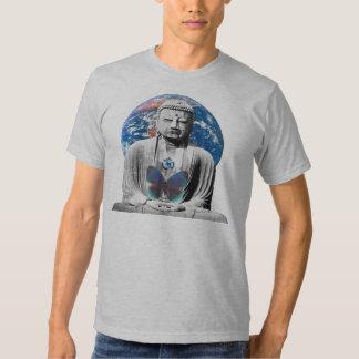Buda aguarda la camisa