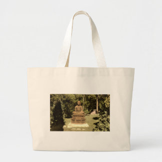 Buda en el vintage japonés 1915 del jardín bolsa