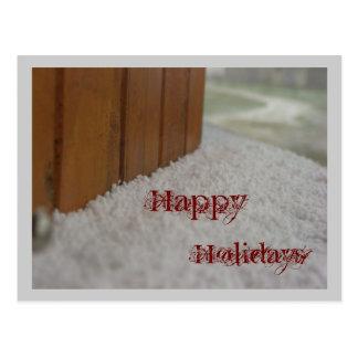 Buenas fiestas nieve en ventanas enfermas postal