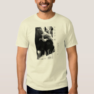 Búfalo en B/W Dakota del Sur Camisas
